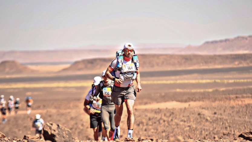 Piotr Dybowski podczas Runmagedonu na Saharze